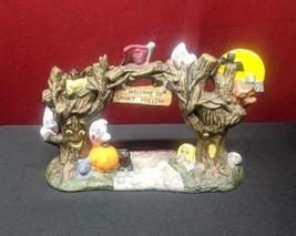 JO ANN STORES Spooky Hollow Haunted Gateway Halloween House Accessory - €16,55 EUR