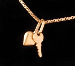 Vintage Monet Necklace - gold Heart and key charm - sweetheart jewelry -... - $95.00
