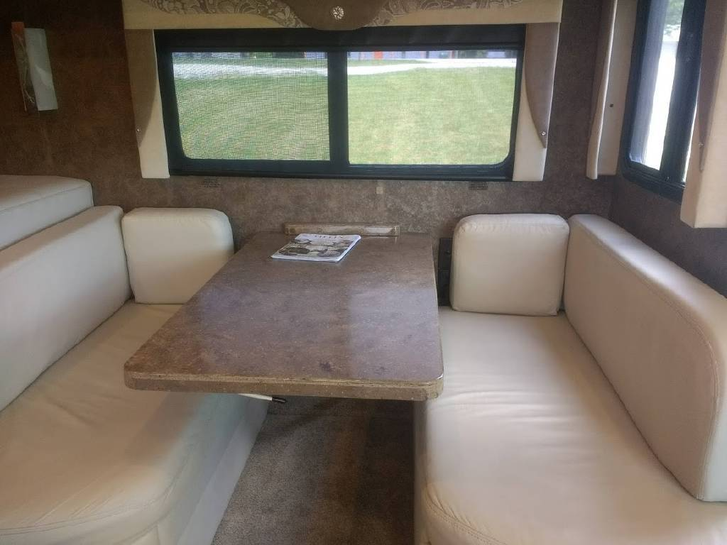 2015 TIFFIN MOTORHOMES ALLEGRO OPEN ROAD 36LA For Sale In CROSSVILLE, TN 38572