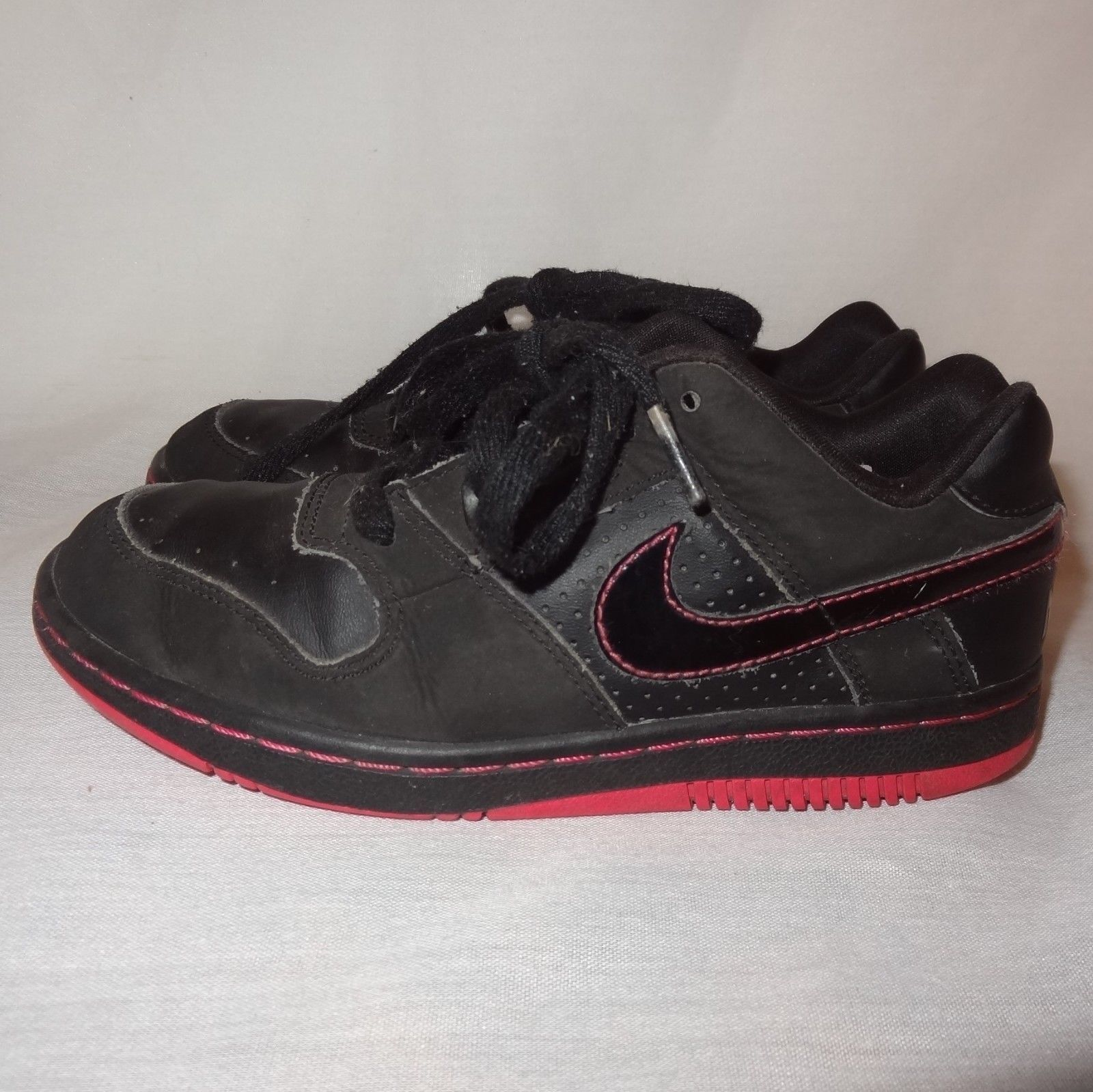Nike Black Athletic Shoes Size 2Y Girls and 23 similar items