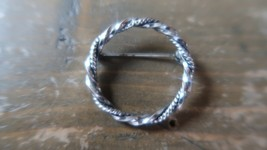 Vintage Silver Twisted O Brooch Pin 3cm - $9.89
