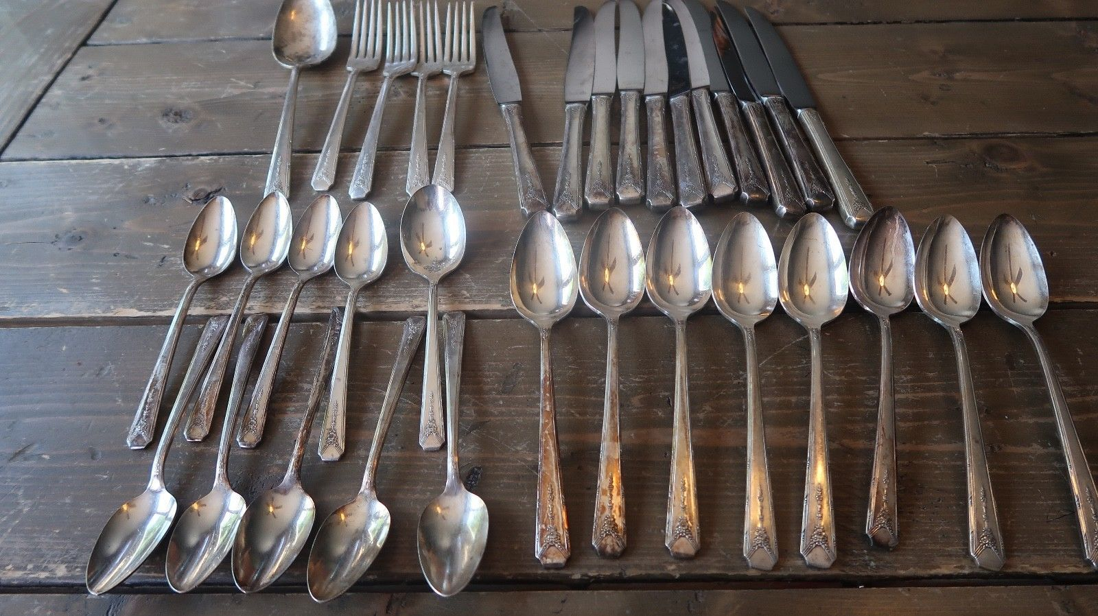 Primary image for Oneida Community Silverplate Flatware Milady Pattern 34 pieces