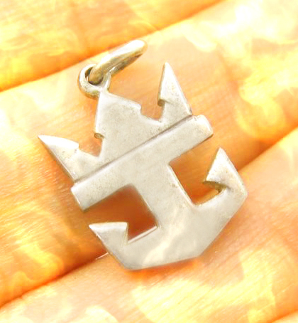 Anchor crown haunted pendant