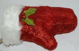 Hanna's Handiworks 63202 Red Glittery Santa Glove Wall Hanger image 4