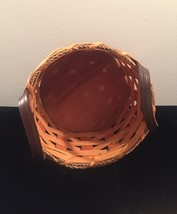 Eli Hershberger Amish woven basket with leather handles image 2