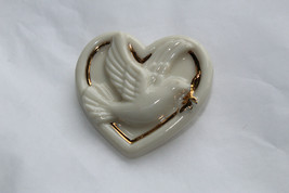 Beautiful Vintage LENOX Porcelain Heart Pin/Brooch with Dove M3 - $12.00