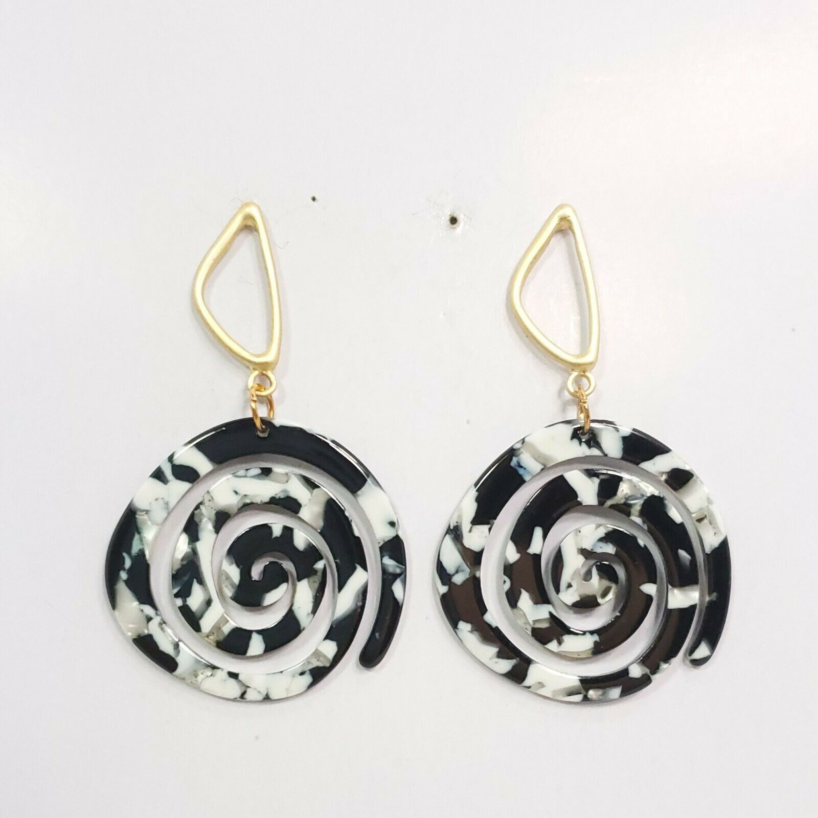 Primary image for E0270 Black Tone Acrylic Circle Spiral Design Drop Dangle Fashion Post Earrings