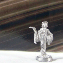 Vintage Dungeons & Dragons Rare Metal Miniature D&D Ral Partha Sorceress w Wand - $13.49