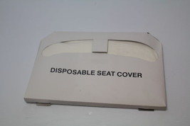 GGS Half Folded Toilet Seatcover ( Lot of 3200 )  New - $46.52