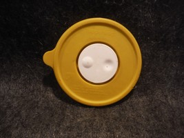 """Tupperware 5189 Gold Replacement Crystal Wave Seal 4 1/2"""" Round  - $4.49"""