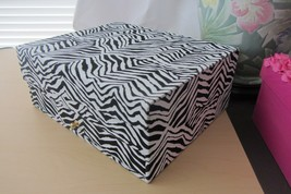 New Elizabeth Arden Zebra Pattern Black & White Keepsake Makeup Jewelry Box Case - $10.88