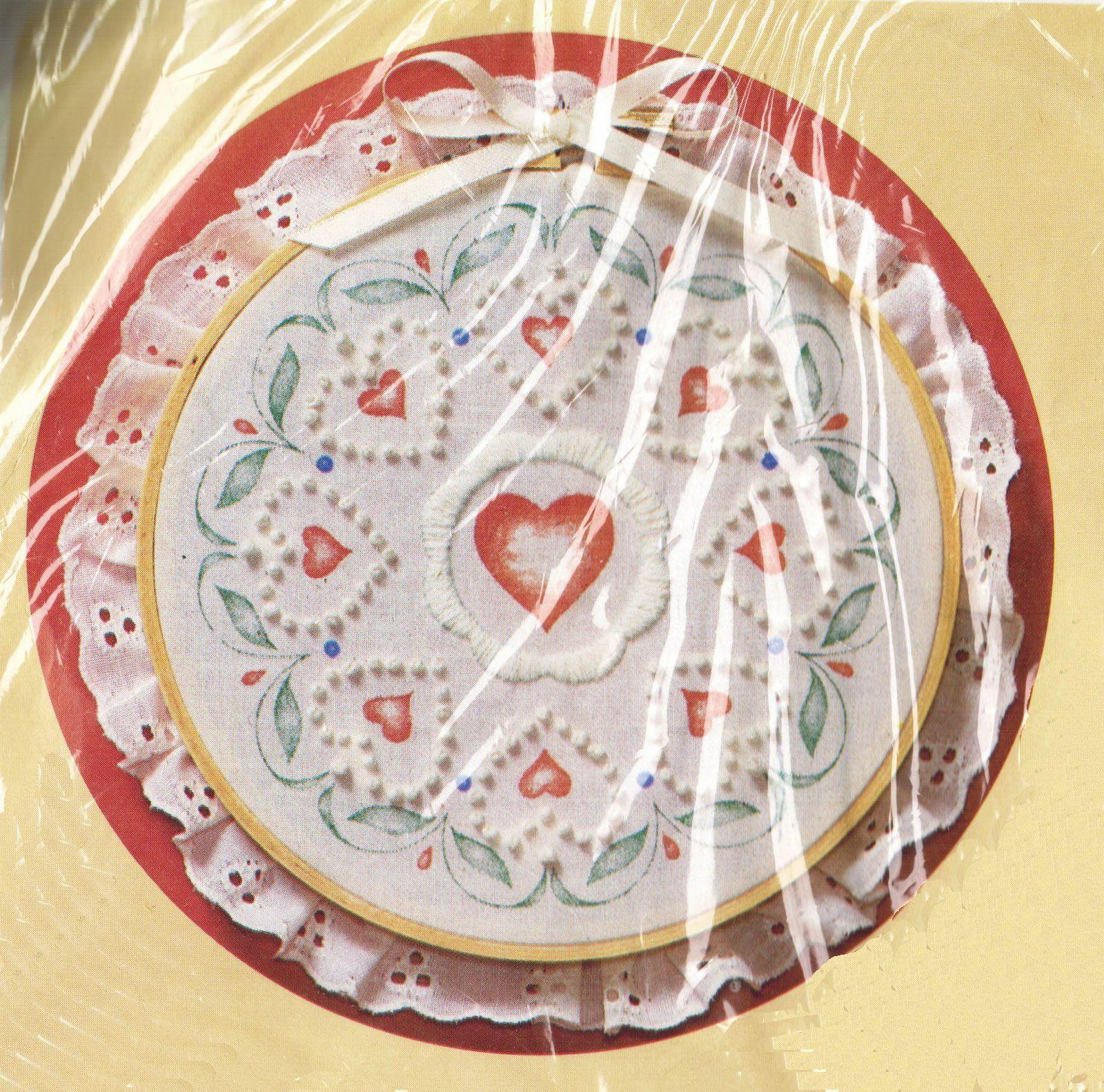 "Vtg 1987 Circle Of Love With Hoop Creative Circle Candlewick KIT 7-1/4"" Diameter - $14.99"