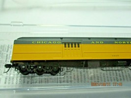 Micro-Trains # 14700430 Chicago & North Western 70' Heavyweight Baggage N-Scale image 2