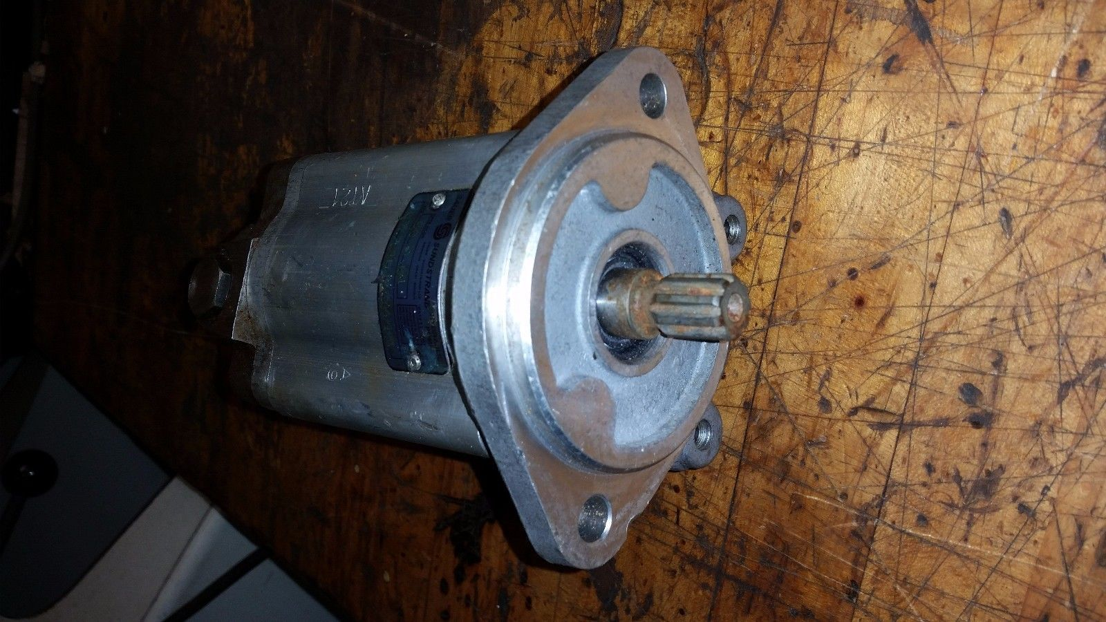 Sauer-Sundstrand Hydraulic gear Pump a28.7l34147/200/140 spline shaft