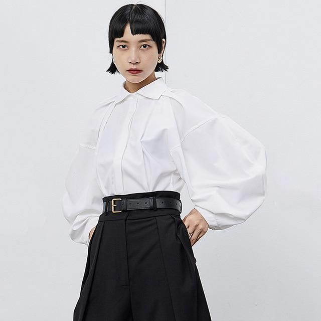 [EAM] Women Pleated Soild Blouse New Lapel Long Puff Sleeve Loose Fit Shirt Fash
