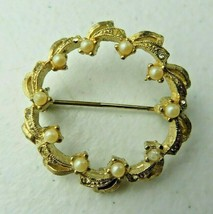 Vintage DuBarry FA Signed Goldtone Round Brooch Pin Faux Pearl - $12.00