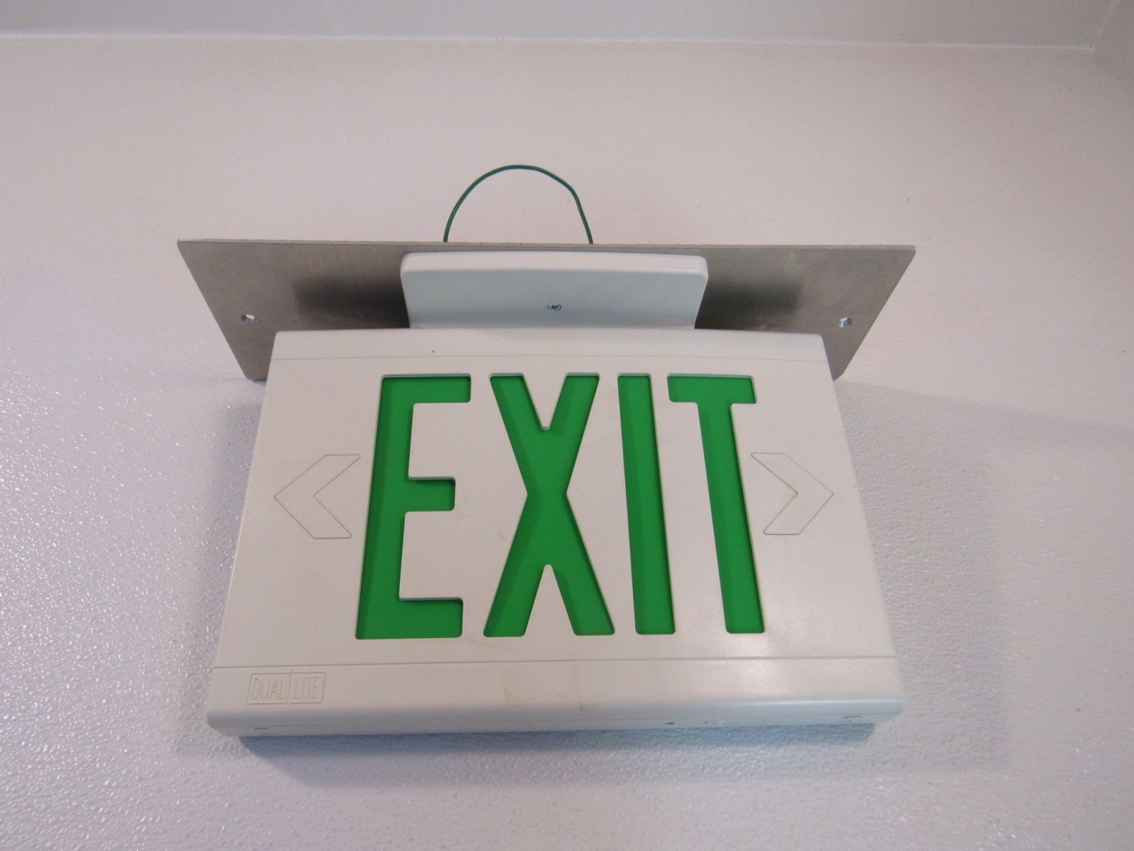 Hubbell Lighted Exit Sign Single Side 13in x 9in 120 VAC 277 VAC LED LXUGW