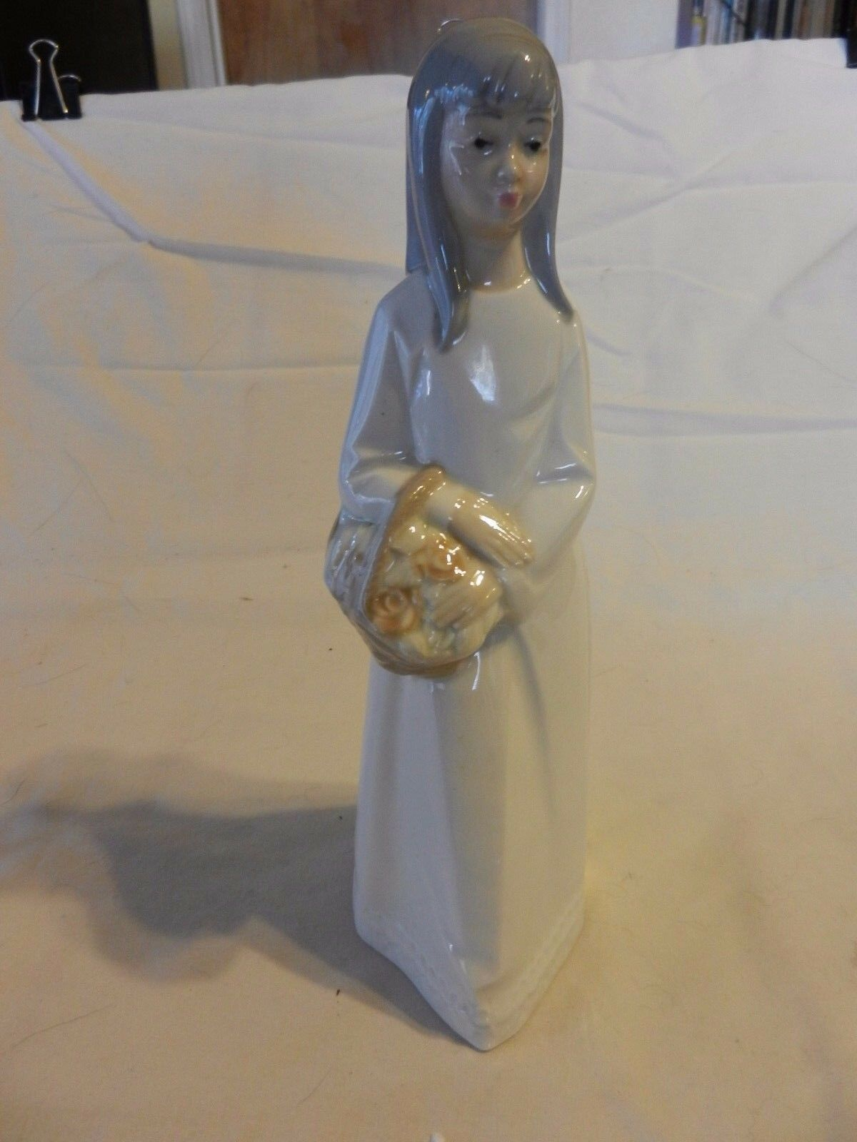 Porcelans Jango Girl with Flower Basket  Figurine, Hand Painted Made in Spain