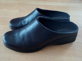 NATURALIZER LADIES BROWN LEATHER CLOGS-8.5M-SOME WEAR ON SOLES-COMFY - $9.95