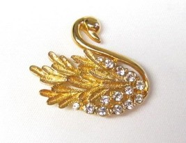 Elegant Vintage Gold Toned Swan Clear Rhinestones  Etched Detail Brooch ... - $17.81