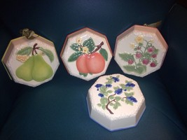 Set Of 4 AVON SWEET COUNTRY HARVEST Mold Strawberry Blueberry Pear Peaches - $59.40