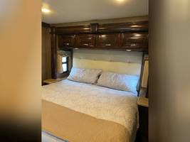 2017 THOR MOTOR COACH CHALLENGER 37LX FOR SALE IN Huntington Beach, CA 92605 image 7