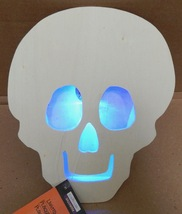 "Halloween LED Flashing Lighted Plaque Wood Creatology 6 1/2"" x 8 1/2"" Sk... - $7.49"