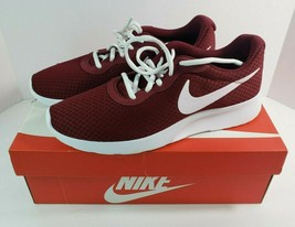 Nike Women's Tanjun Running Shoes Burgundy 812655 604 US 11 UK 8.5 NWT 2018 - €45,75 EUR
