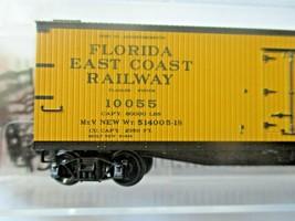 Micro-Trains # 04900900 Florida East Coast 40' Double-Sheathed Wood Reefer (N)  image 2
