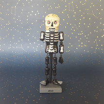 Skeleton Nutcracker Halloween Jointed Wood Day of the Dead RIP 2010 Arm ... - $351,62 MXN