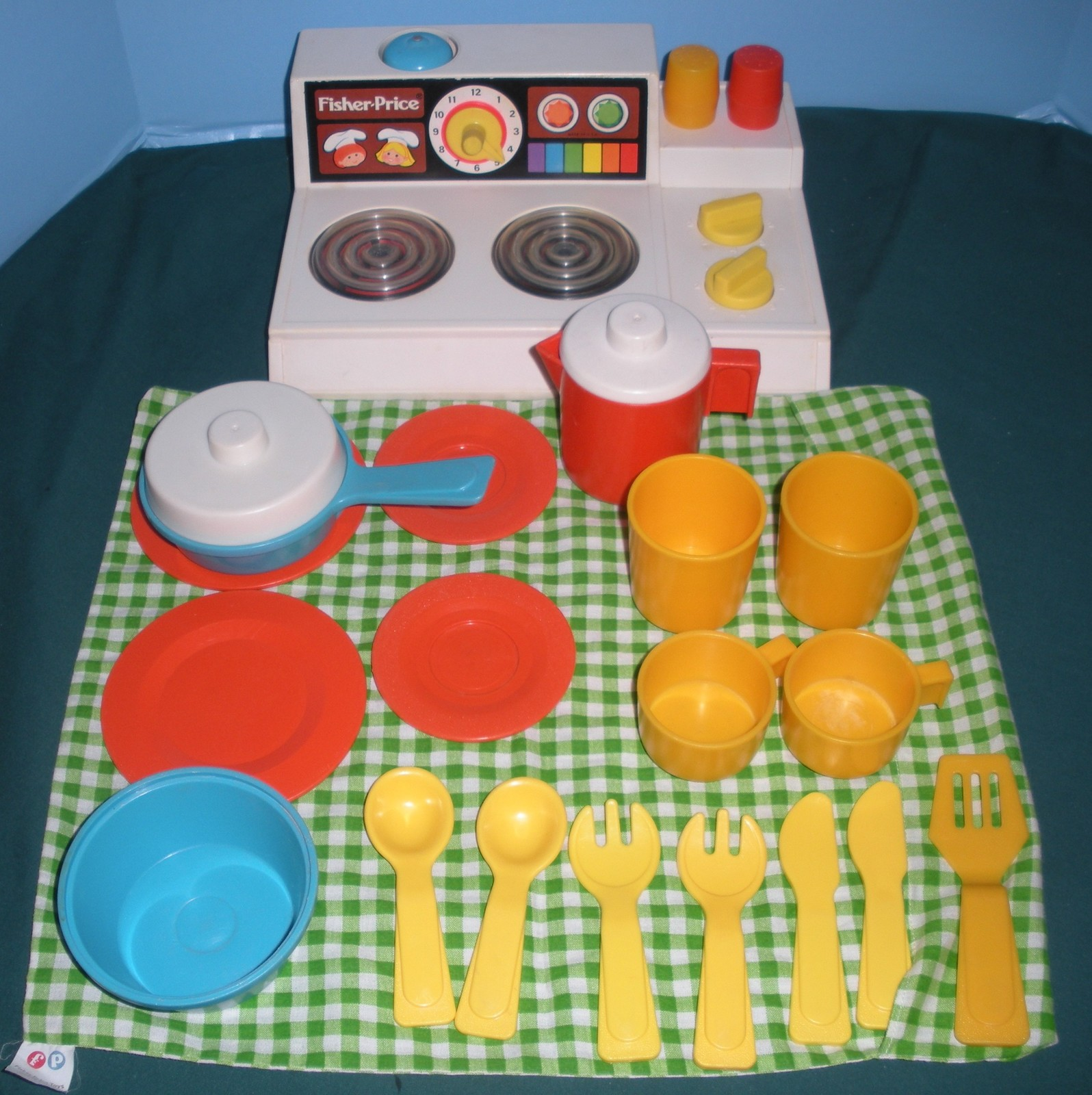 "Primary image for Vtg. Fisher Price #919 Kitchen Set (""Magic Burner Stove"") Complete/EXC++ (E)"