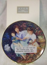 """NEW Avon 2001 MOTHER'S DAY PLATE """"Blossoms of Love"""" - $14.36"""