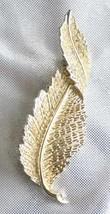 Elegant Sarah Coventry Crystal Rhinestone Gold-tone Leaf Brooch vintage - $12.30