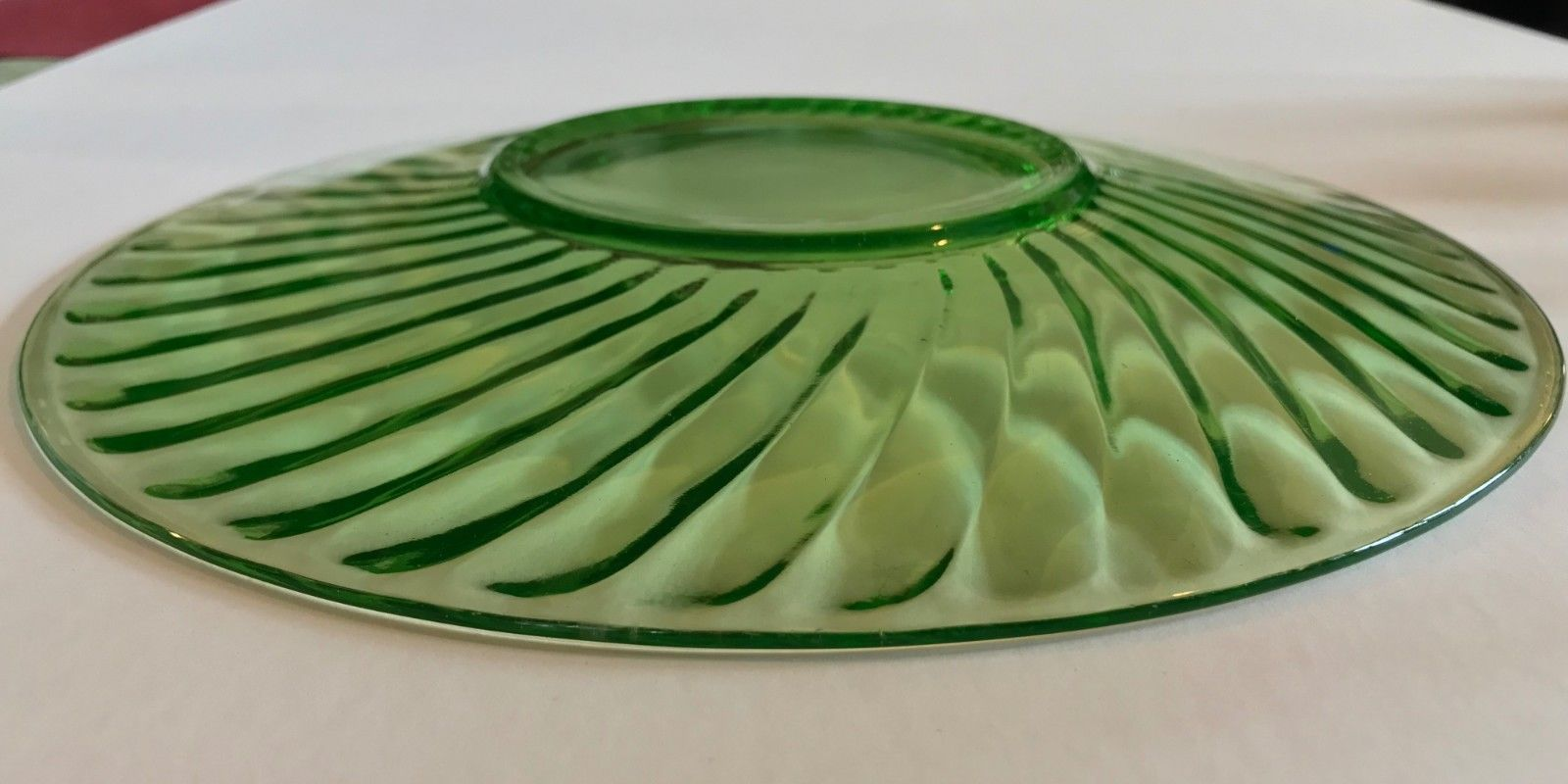 "Anchor Hocking or Imperial Twisted optic green Spiral dinner plate 10"" Sandwich"