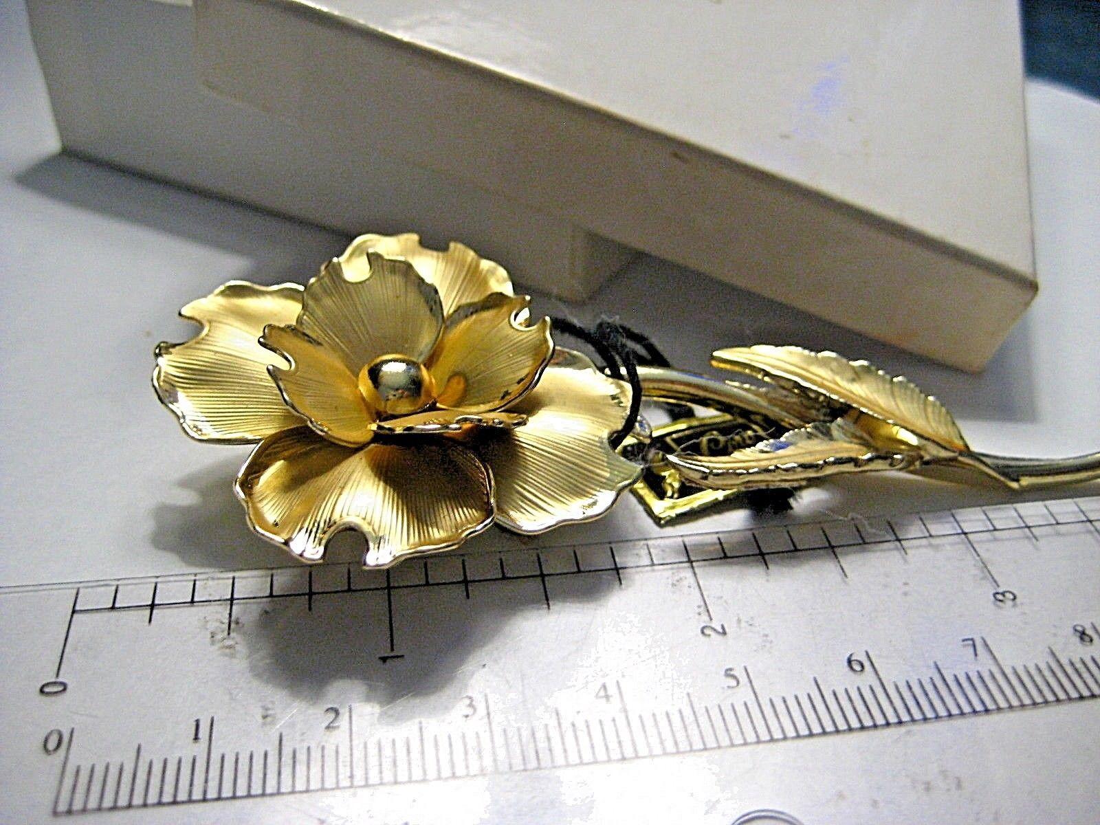 Large Vintage CORO Brooch Gold tone Flower in Original John Wanamaker Box Tags image 5