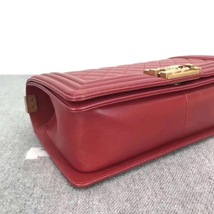 AUTHENTIC NEW CHANEL RED QUILTED LAMBSKIN MEDIUM BOY FLAP BAG GHW image 7