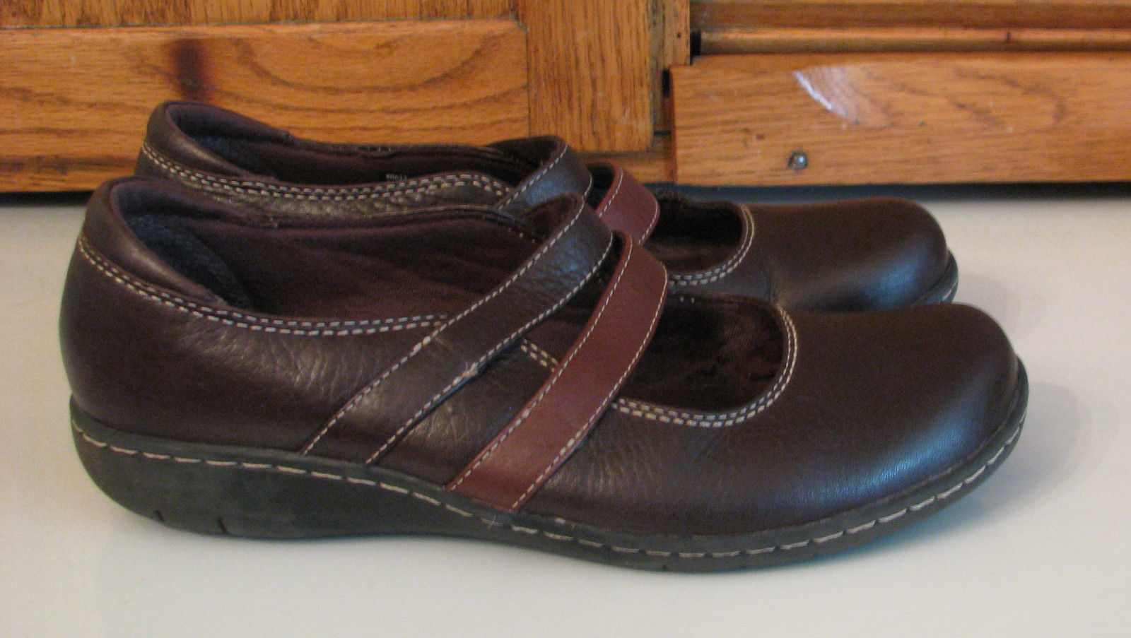 Clarks Bendable Brown Leather SHOES Woman's 8 M Cute Style