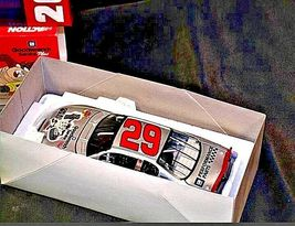 NASCAR Goodwrench Service Plus Kevin Harvick Racing Cars 1:24 AA19-NC8028 image 3