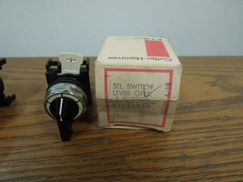 Cutler-Hammer E22VAR3H 3 Position Lever Selector Switch Maintained New S... - $30.00