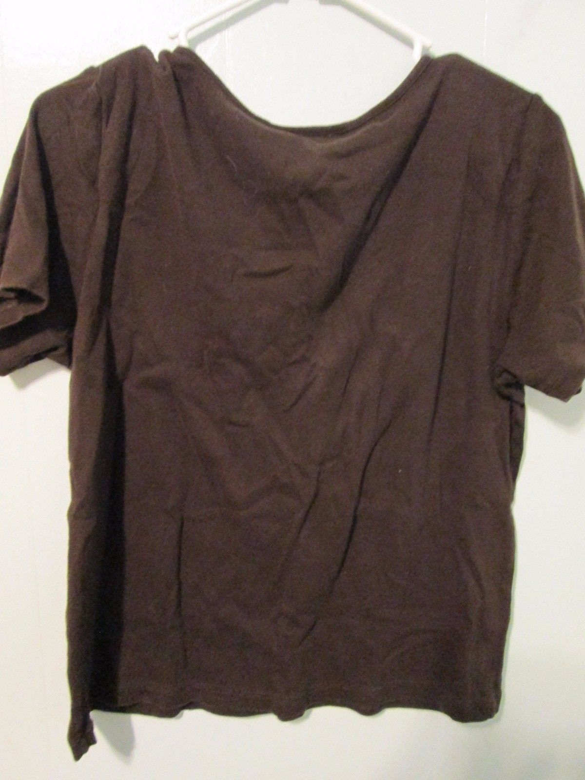 Basic ladies brown shirt w/ floral accent Size Lg. by Karen Scott  MMARS357