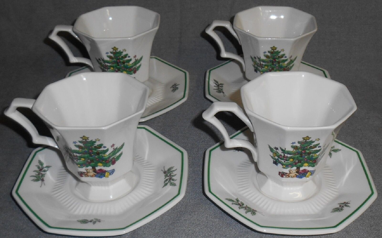 Primary image for Set (4) Nikko CHRISTMASTIME PATTERN Cups and Saucers MADE IN JAPAN