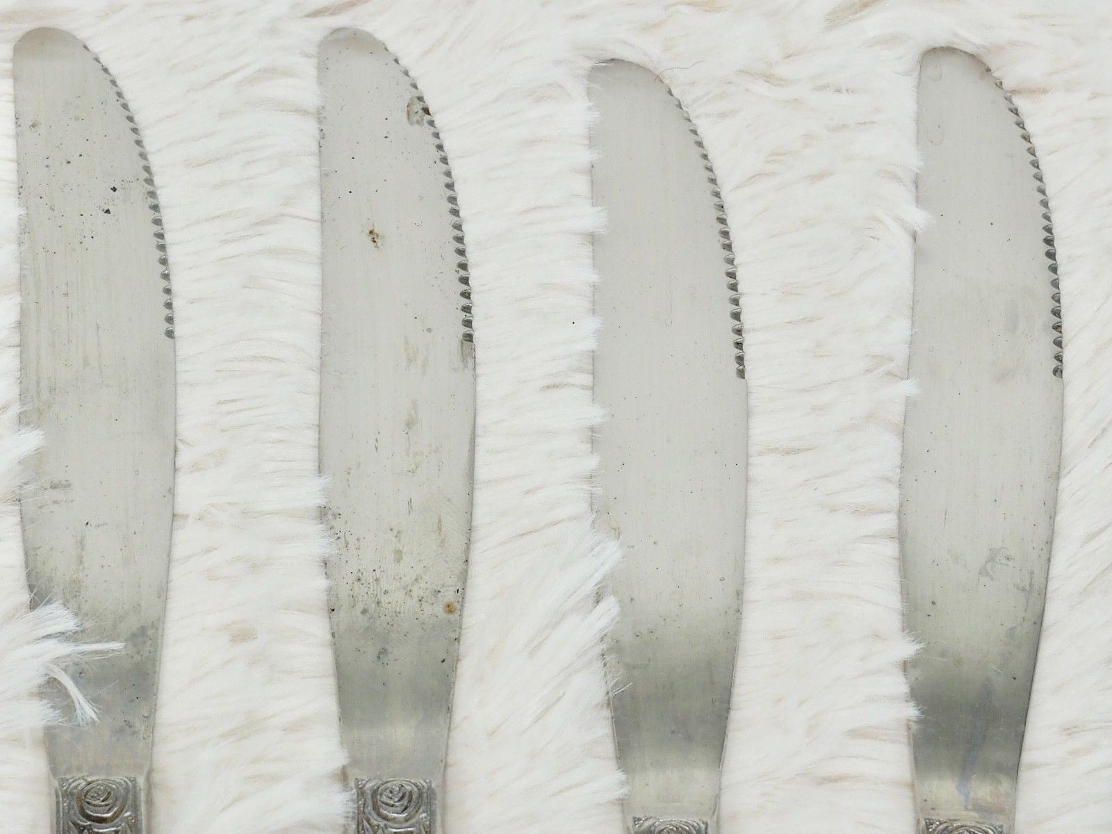 6X Dinner Table Knives Towle Supreme Cutlery LEAF VELVET Stainless Daisy Floral