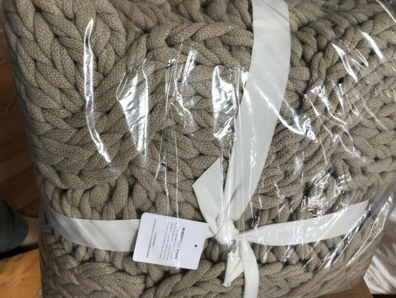 Pottery Barn Colossal Knit Throw Putty 44x56 Handknit Chunky Yarn New - $169.00
