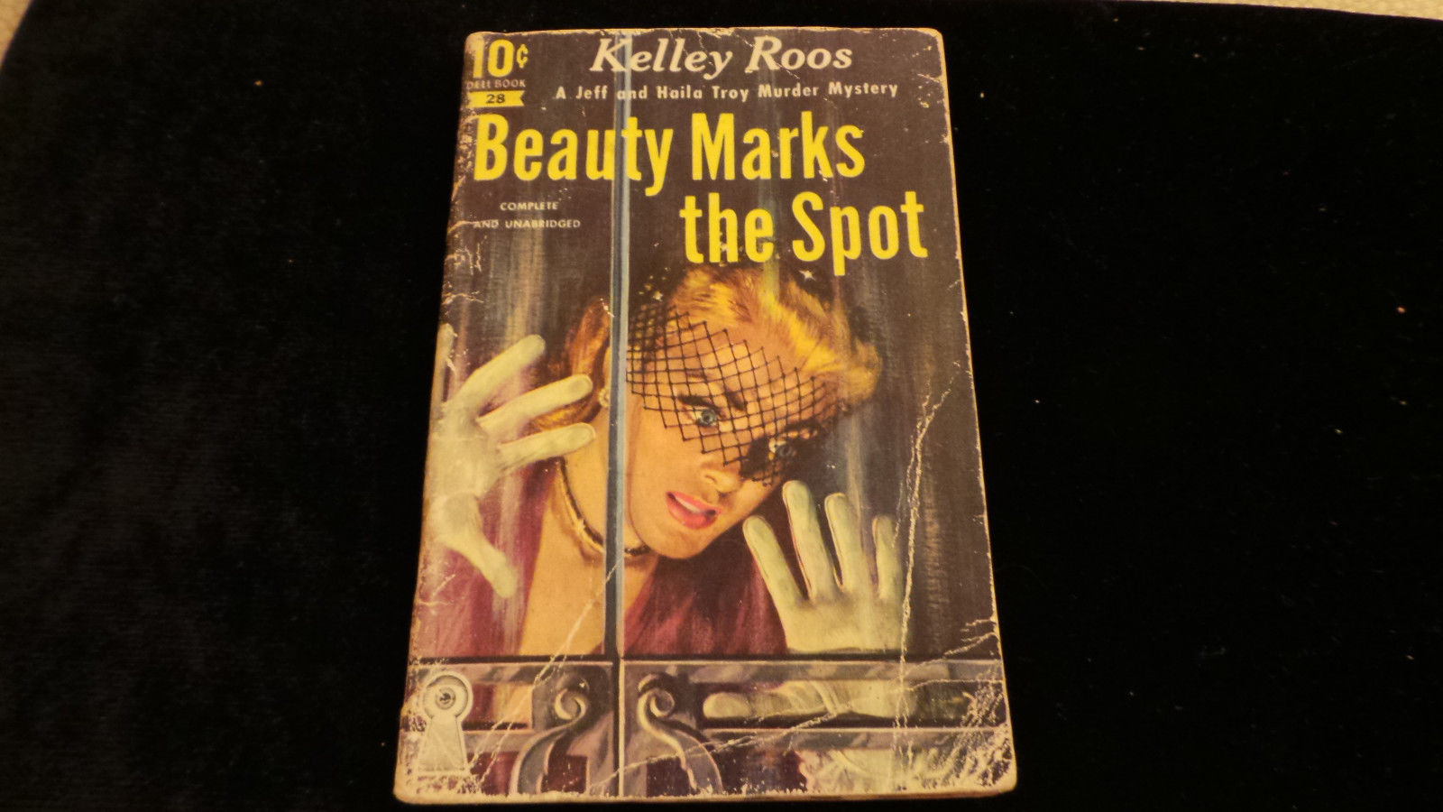 Vintage PB Beauty Marks the Spot Kelley Roos Dell 10 cent # 28 Desoto cvr art VG