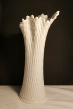 Westmoreland Nice Pulled Diamond Quilt White Vase 13in Great Form Milkglass - $22.95