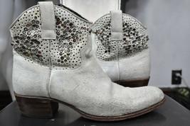 Frye Deborah Nietenbesetzte Stiefel 11 M Leder Western Knöchel Cowboy 77861 - $100.00