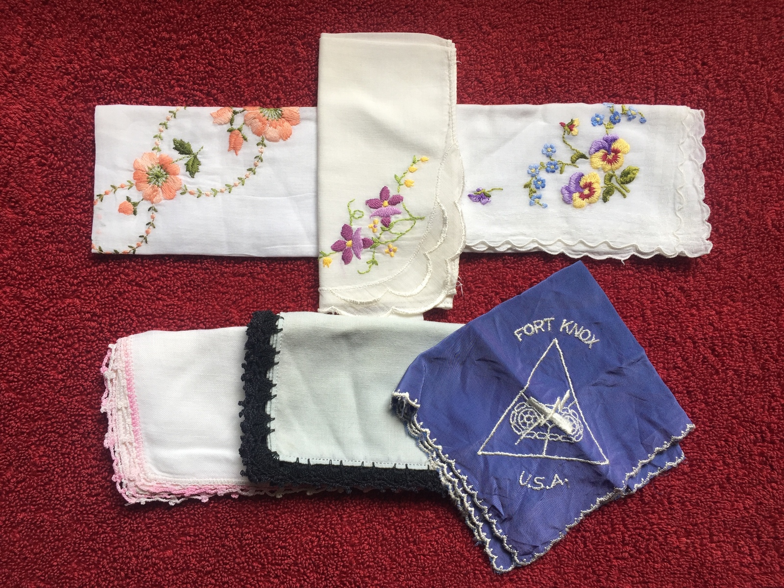 Set of 6 vintage embroidered handkerchiefs (mixed set)