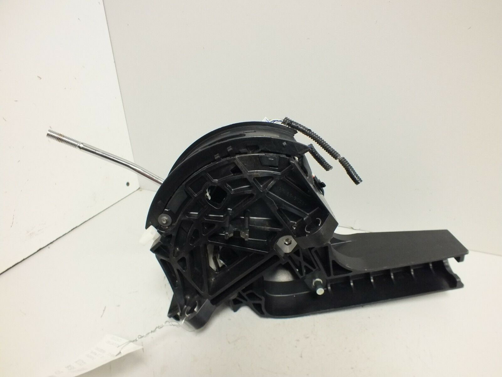 Primary image for 11 12 13 14 2011 2012 TOYOTA SIENNA TRANSMISSION SHIFTER GEAR SELECTOR #1069