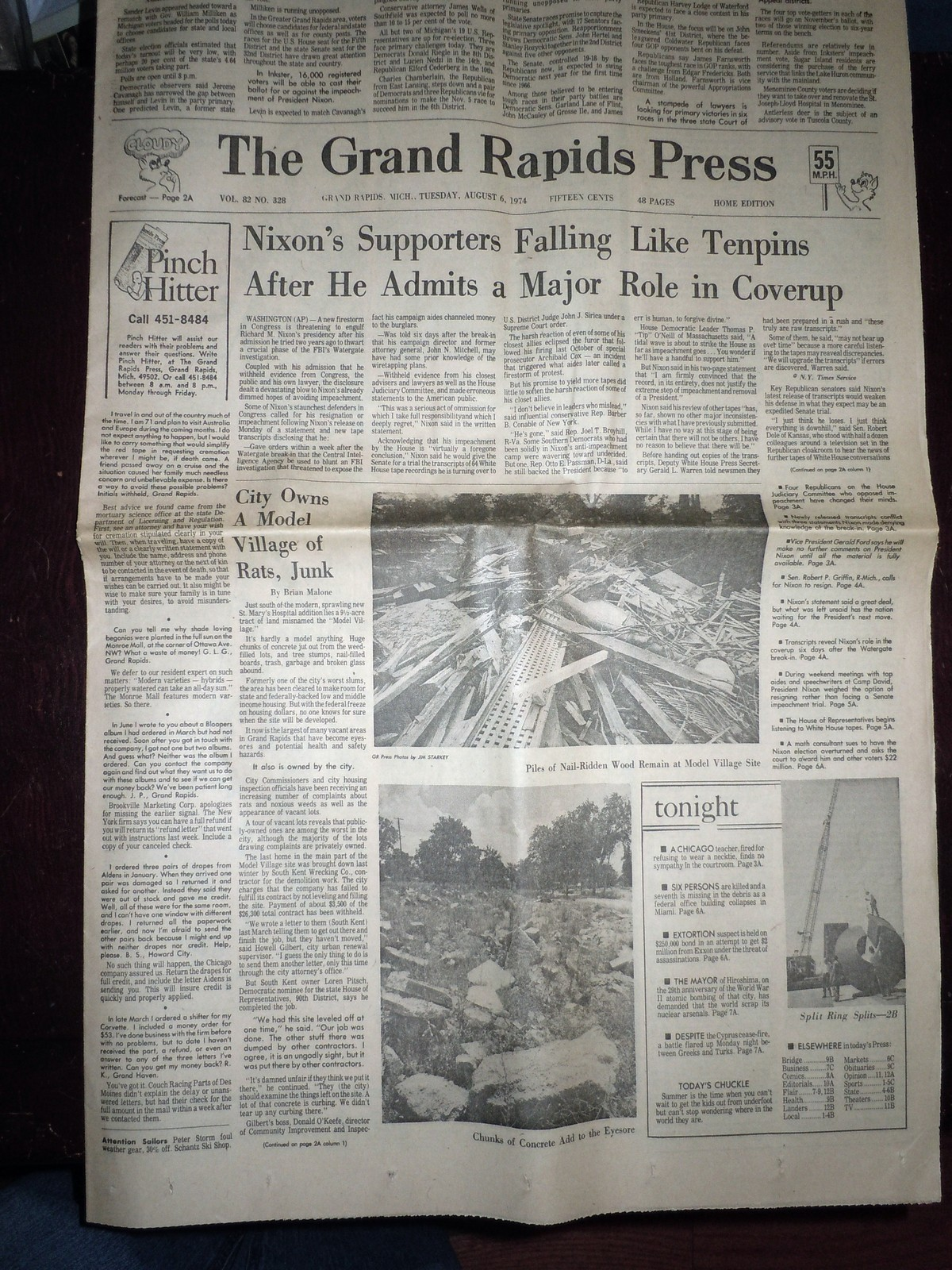 Vintage The Grand Rapids Press Nixon's Supporters Falling & Comics Aug 6 1974