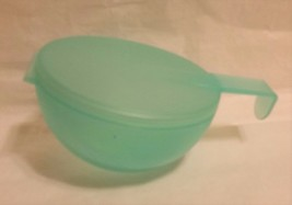Tupperware Forget Me Not Container #4201B Onion Tomato Storage Light Green - $12.86